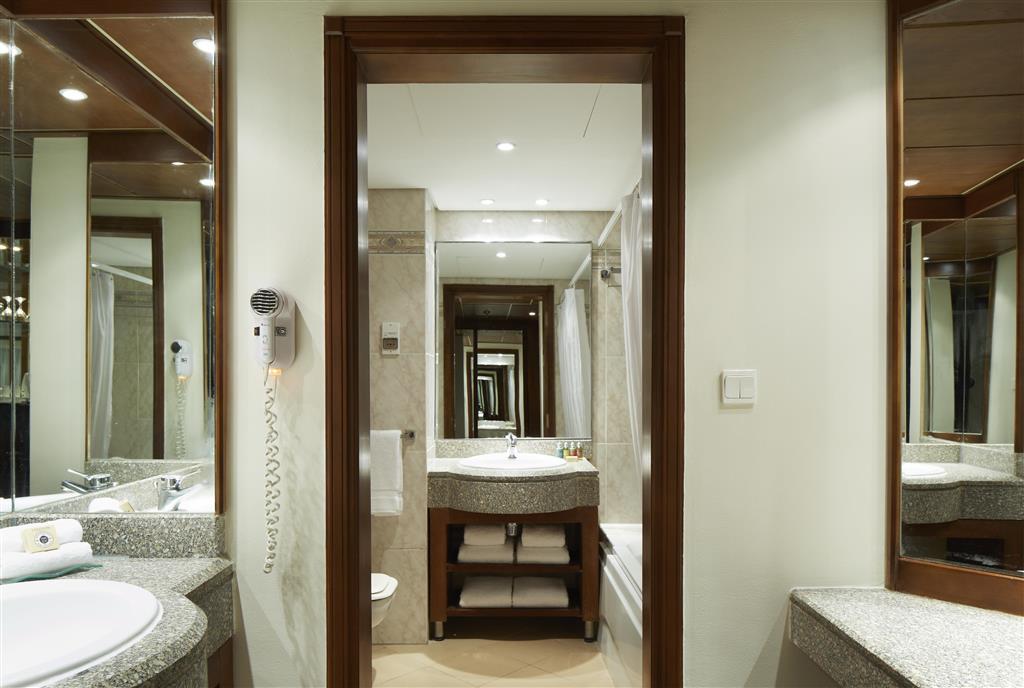 http://data.happytravel.sk/t2/Hotel/1084/27580.jpeg