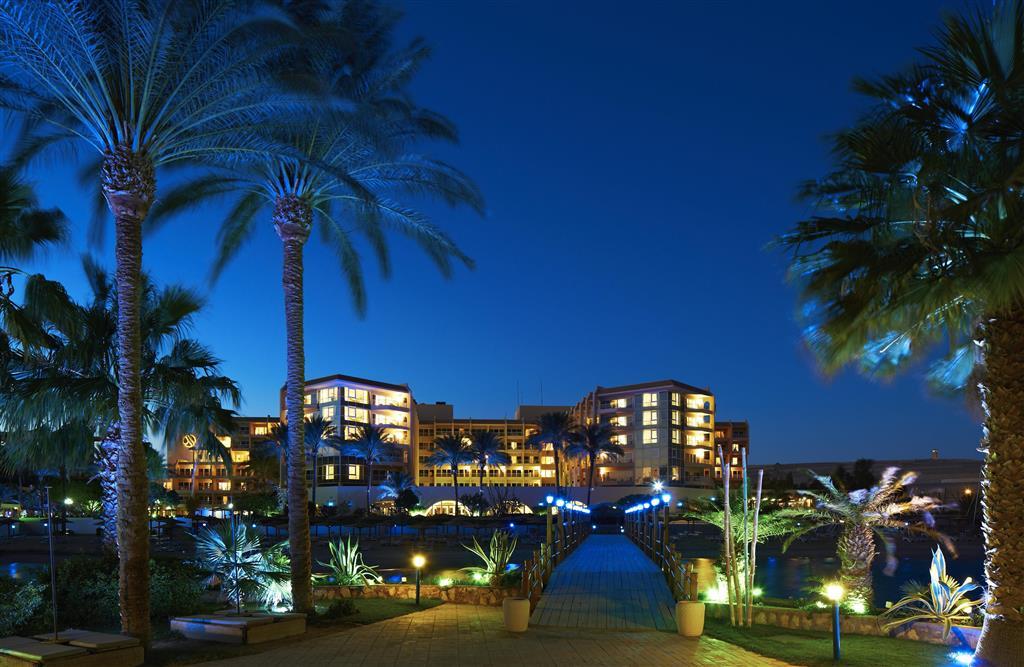 http://data.happytravel.sk/t2/Hotel/1084/27581.jpeg