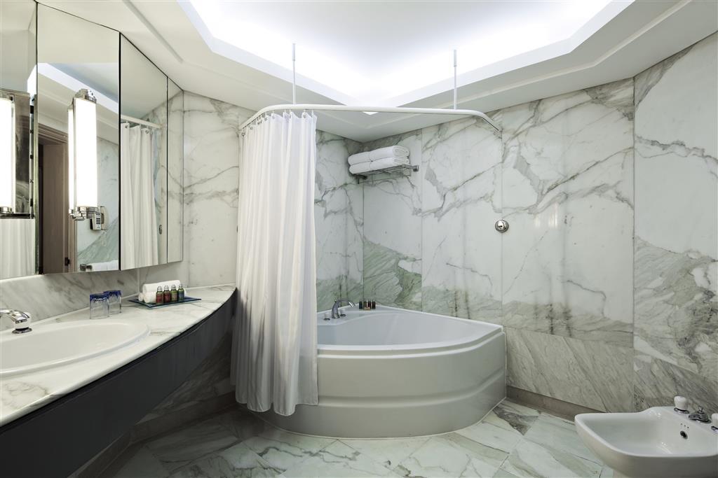 http://data.happytravel.sk/t2/Hotel/1084/27583.jpeg