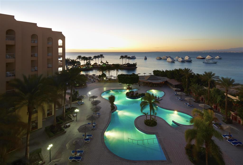 http://data.happytravel.sk/t2/Hotel/1084/27588.jpeg