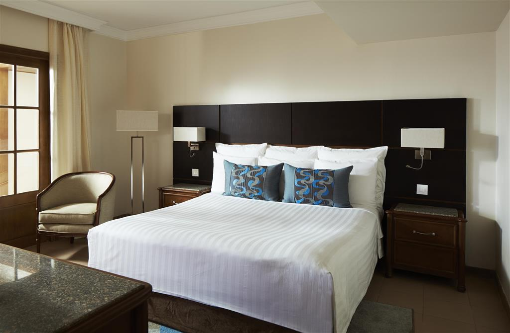 http://data.happytravel.sk/t2/Hotel/1084/27598.jpeg
