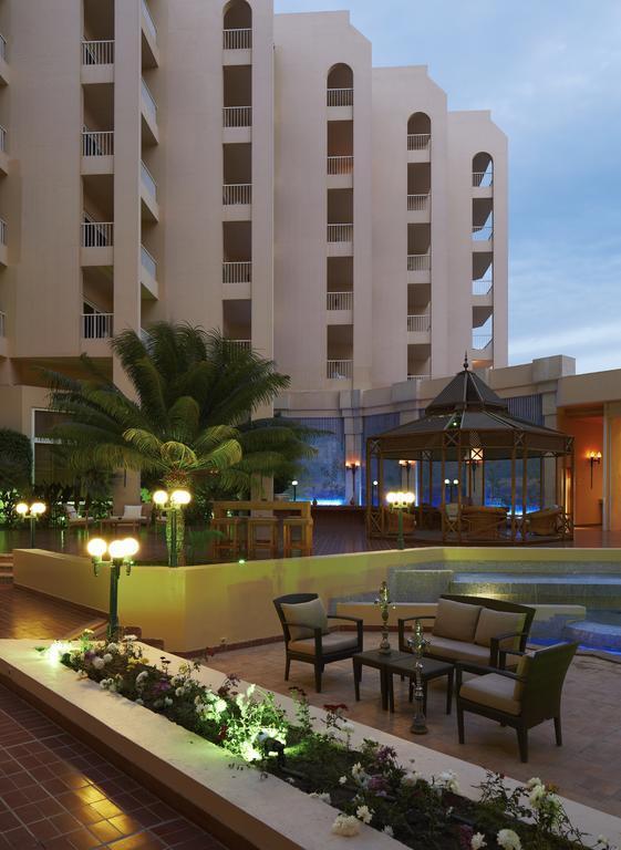 http://data.happytravel.sk/t2/Hotel/1084/27908.jpeg