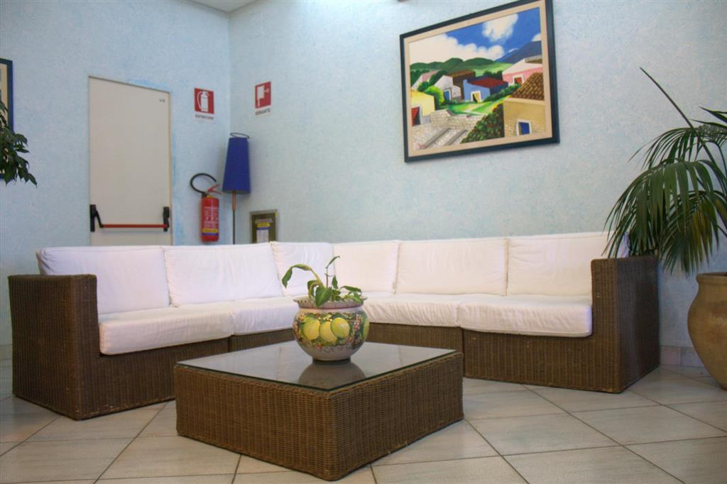 http://data.happytravel.sk/t2/Hotel/1172/33419.jpeg