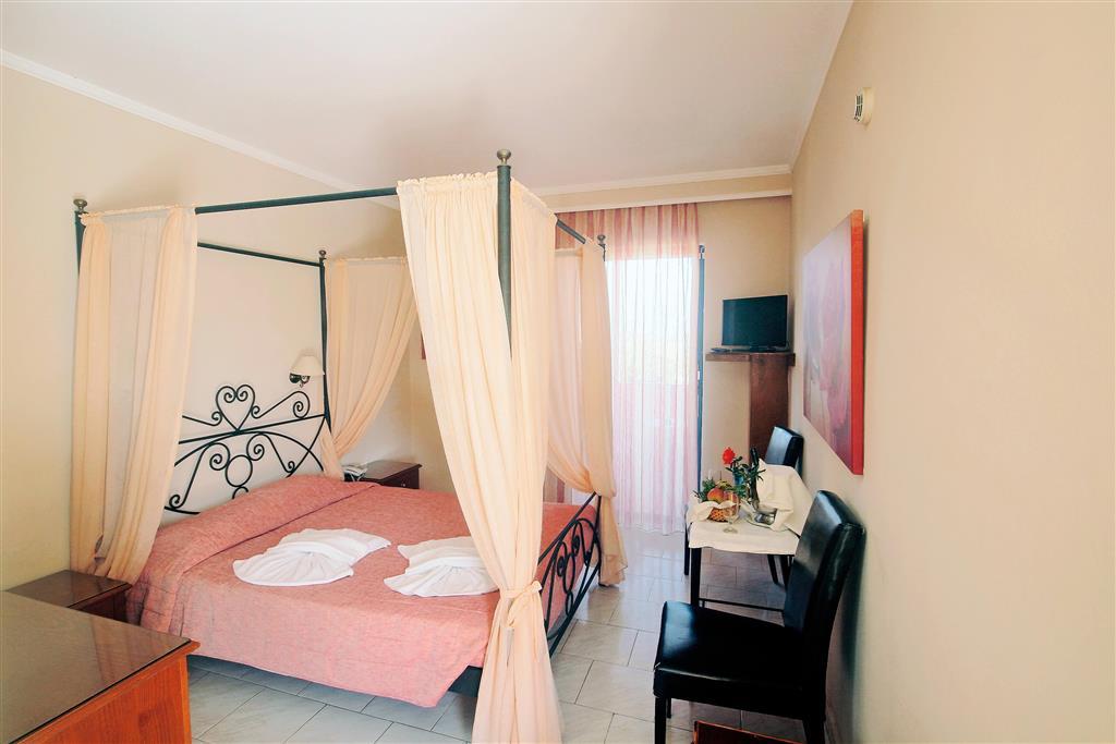 http://data.happytravel.sk/t2/Hotel/1255/37660.jpeg