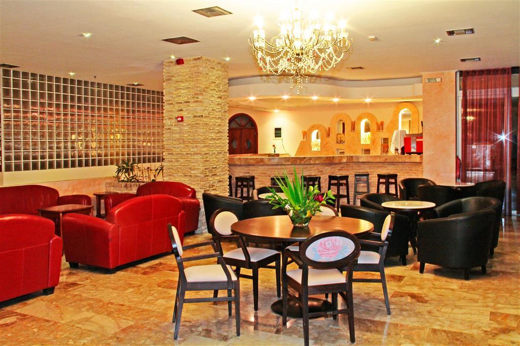 http://data.happytravel.sk/t2/Hotel/1255/37664.jpeg