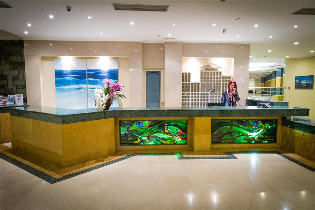 http://data.happytravel.sk/t2/Hotel/18437.jpeg