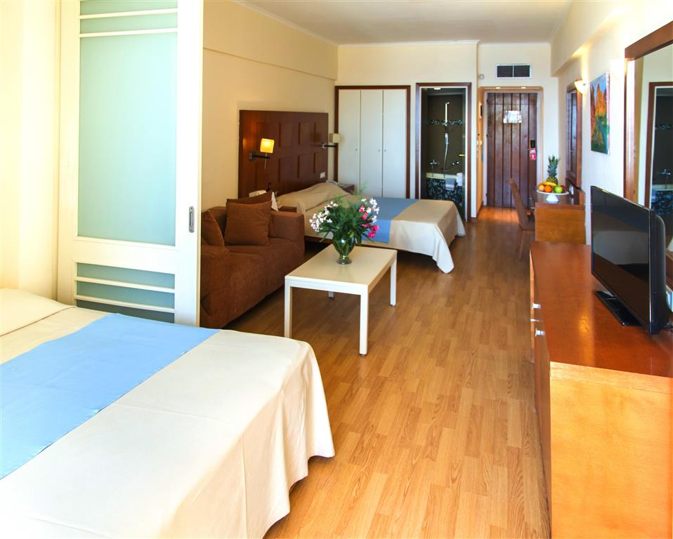 http://data.happytravel.sk/t2/Hotel/18443.jpeg
