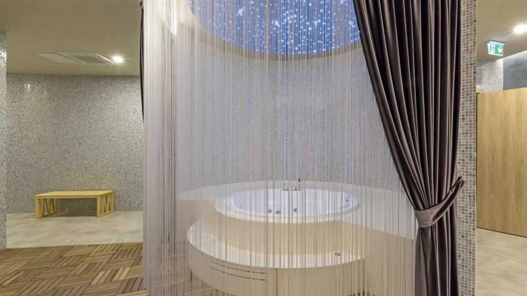 http://data.happytravel.sk/t2/Hotel/24742.jpeg