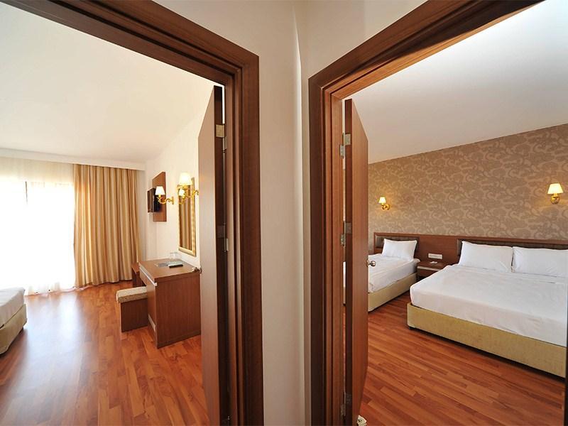 http://data.happytravel.sk/t2/Hotel/2785.jpeg