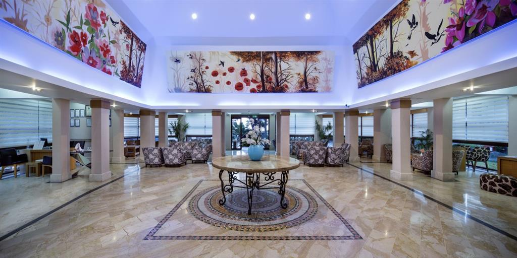 http://data.happytravel.sk/t2/Hotel/482/38047.jpeg