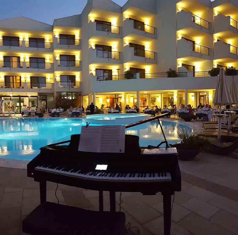 http://data.happytravel.sk/t2/Hotel/545/27797.jpeg