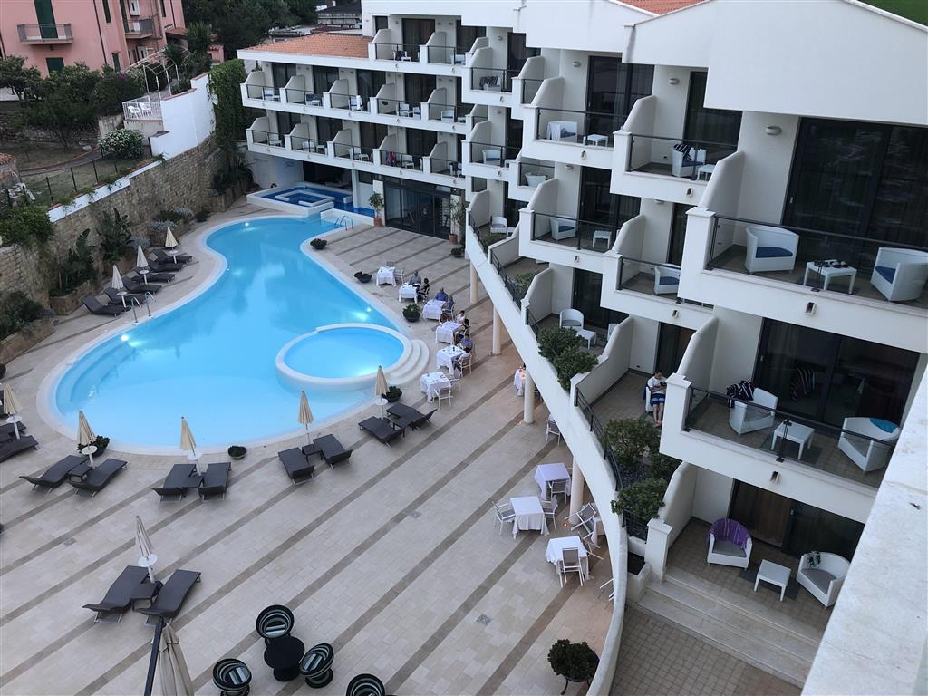 http://data.happytravel.sk/t2/Hotel/545/31332.jpeg
