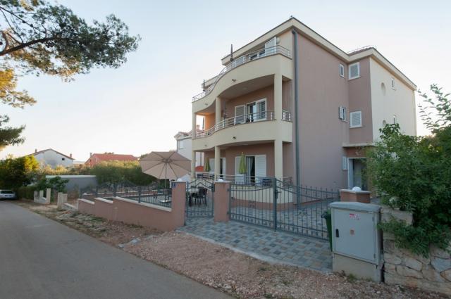 Apartmány Emira