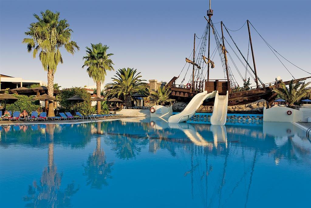 Kombinovaný zájazd Evita Beach a Kipriotis Village